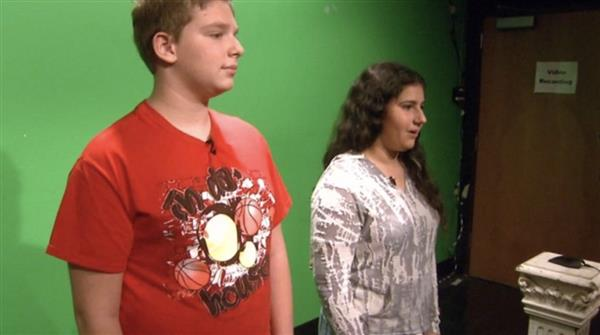 Students at the TV production club at Great Neck South Middle School. (Credit: CBS2)